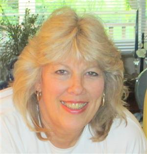 Gloria M Welage