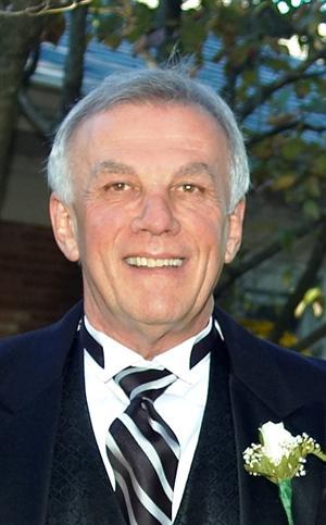 Larry W Lucas