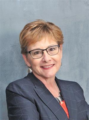Elizabeth M McClary