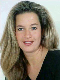 Christine L Morsch