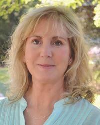 Michelle J McPhail