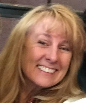 Nicole R Robinson