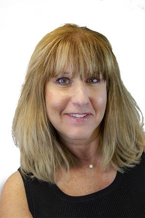 Lisa E Young