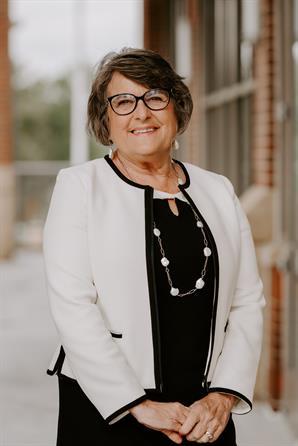 Sue M Miller