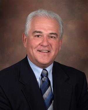 Mike D Faulkner