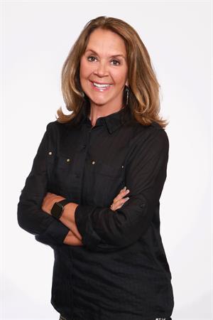 Donna E Gamblin